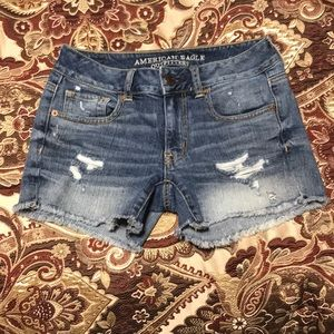 American Eagle midi distress short